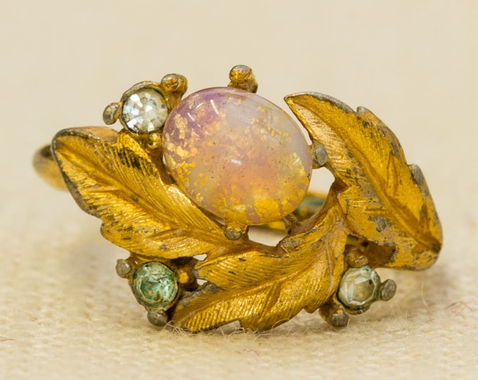 Pink Opalite Vintage Ring Etched Gold Leaves Rhinestones Avon Brand US Womens Size 4.5 to 7 7RI