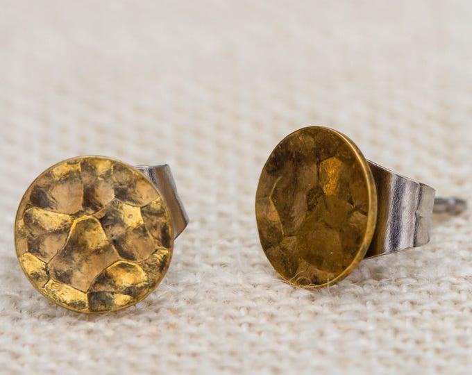 Minimal Earrings Textured Gold Circle Earrings Tiny Vintage Studs Geometric Minimalist Modern Dainty Pierced Earings Hammered Metal 7TU