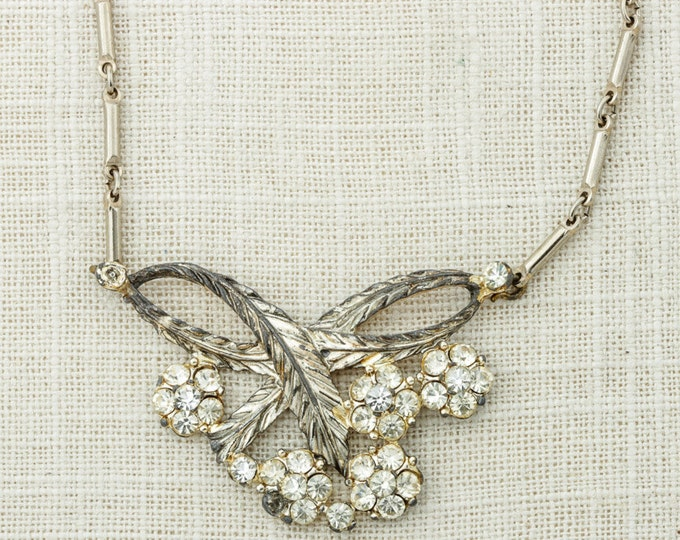 """Silver Vintage Necklace Leaves & Flowers Link Chain 16"""" Inch Necklace Costume Jewelry 16D"""
