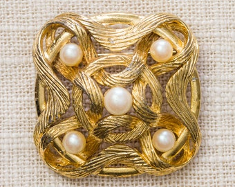 Gold and Pearl Brooch Vintage Etched Abstract Interlocking Square M Jent Broach Vtg Pin 7YY