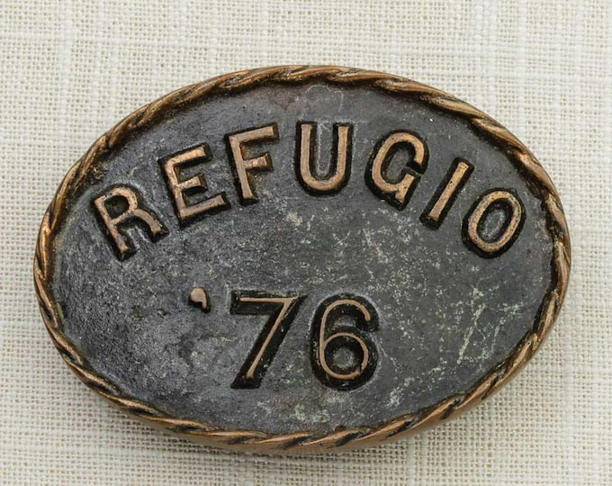 Refugio 1976 Belt Buckle Texas Oval Pewter Brass Rope Outline Vintage Belt Buckle 7F