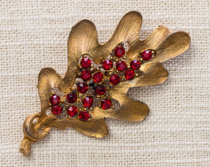 Gold and Red Rhinestone Leaf Brooch Etched Unique Vintage Broach Pin 7YY