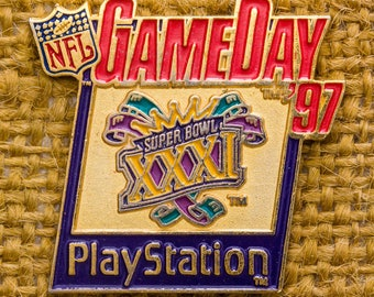 Super Bowl XXXI Enamel Vintage Lapel Pin Play Station Game Day 1997 NFL Button Vtg Pin 7AN