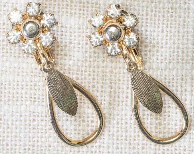 Gold Flower Vintage Earrings Clip On Rhinestone Tear Drop Shape Sarah Coventry Cov Clipons Vtg 7LL