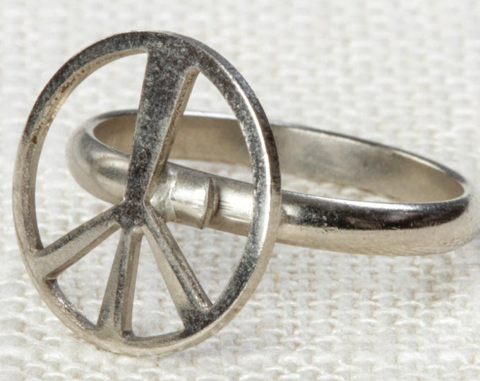 Vintage Peace Sign Ring Adjustable Silver Tone Metal Hippie Retro 70s 90s Hippy Womens 7RI