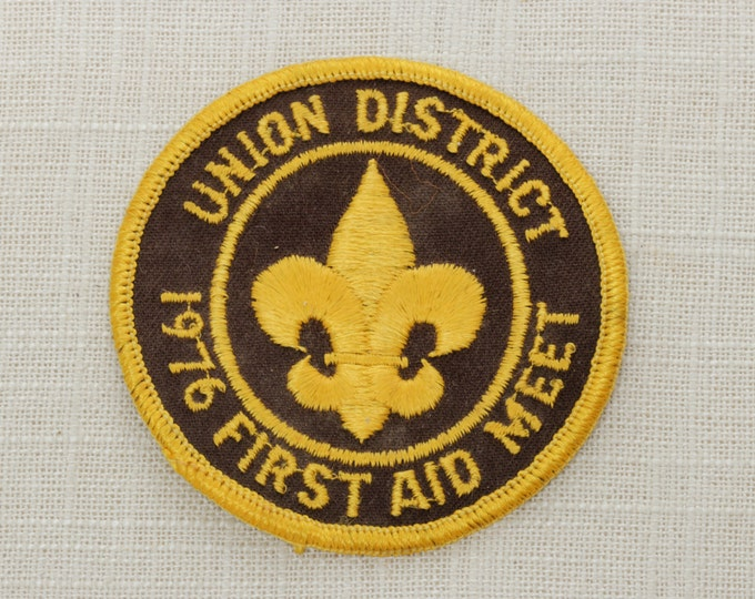 Boy Scouts of America Vintage Patch | Union District | Sew On Patch | 1976 First Aid Meet | Brown Yellow Fleur-De-Lis | BSA