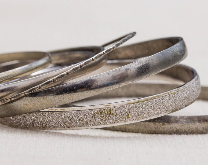 Silver Glittery Etched Textured Shiny Monet Vintage Bracelet Bangle Set Stackable Costume Jewelry Cuff 7AQ