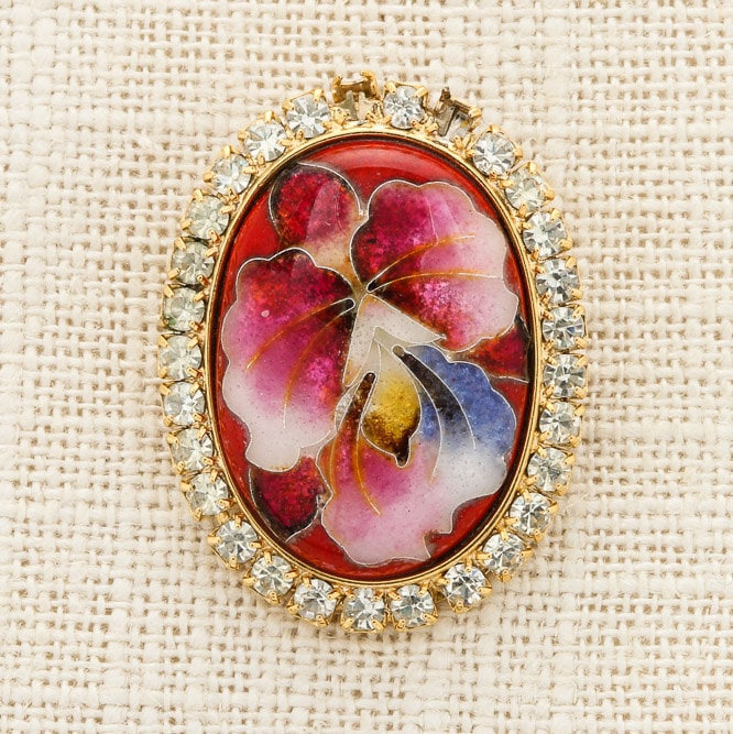Red Oval Brooch Vintage Cameo Style Gold Rhinestone Flower Pink Pendant  Cabachon Broach Costume Jewelry Pin 6Y 98e087f41dfe