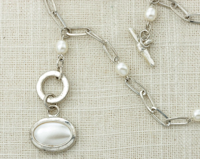 Silver Pearl Vintage Necklace Y Toggle Lariat Style Necklace Layering Costume Jewelry 16D