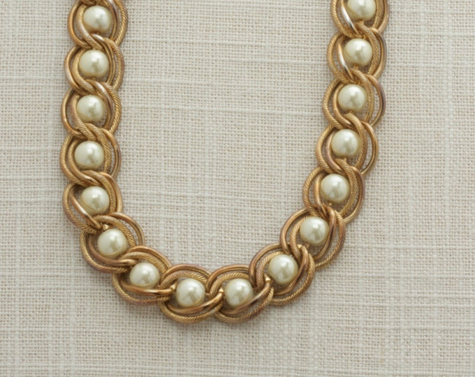 Pearl Gold Chain Vintage Necklace 17 inches Chunky  | Costume Jewelry | True Vintage | 1980s 16B