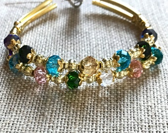 Gold toned Grandmother's or Mother's Birthstone Bracelet with Personalized Charm (B126)