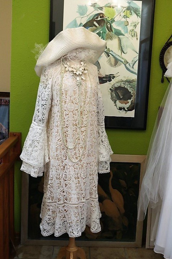 Vintage lace flapper boho 1920s lace wedding dress bell sleeves great gatsby daisy dress