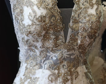 Lavish Embroidered backless wedding dress gown with halter sz 8 bridal gown