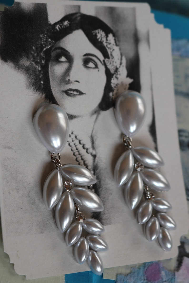 Vintage 1920s 1930s downton abbey flapper wedding inspired silver with white pearls drop earrings