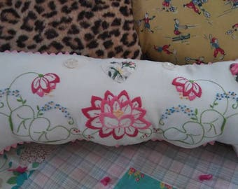 Embroidered pillow cover, decorative cushion Upcycled pillowcase, white and pink vintage floral