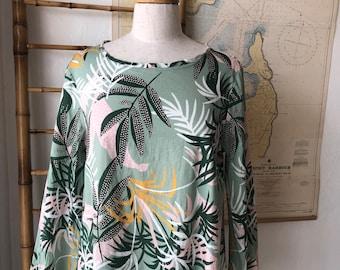Julia Top sea green palm oasis