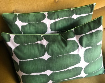 Abstract spot piped cushion