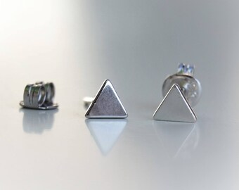 Geometric earrings Triangle earrings Tiny stud earrings Triangle piercing Cute Silver stud earrings Minimal earrings Men earrings