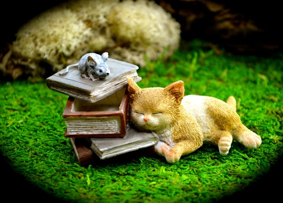 Miniature FAIRY GARDEN Terrarium Accessories ~ Mini Animal LET/'S CUDDLE Hedgehog