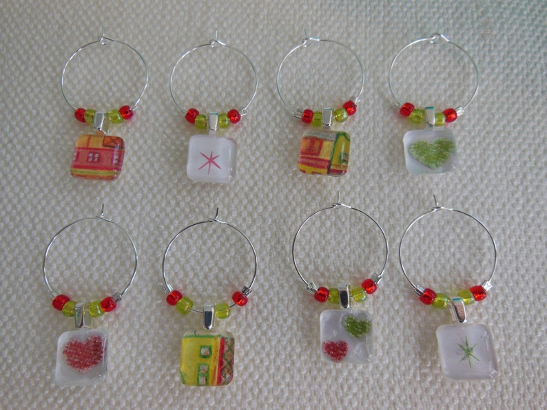 Set of Eight Lime Green and Brick Red Wine Charms Red Wine Charms Green Glass Charms Hostess Gift New Years Eve House Warming