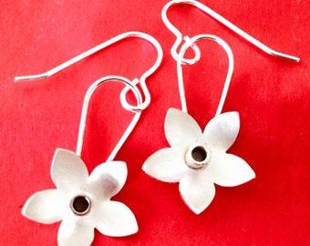 Silver Daffodil dangly earrings (short)