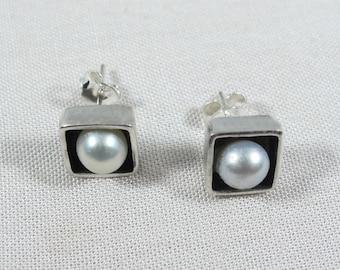 Pearl Silver Earrings,Pearl Stud Earrings,Pearl Earrings,Dainty Earrings.Birthday gifts,Anniversary <gifts,Gift for Her,Wedding Jewelery
