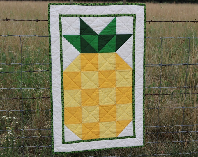Quilted Pineapple Table Runner