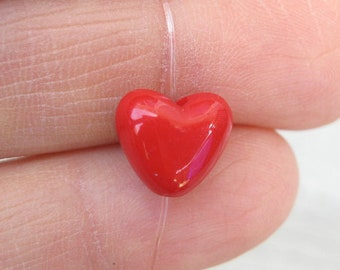 20 Red Heart Beads - C2703