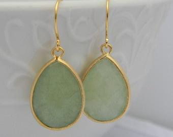 Mint  Green Dangle  Earrings in Gold, Mint Teardrop Earrings, Mint Dangle Earrings, Gift For Her, Bridesmaid Earrings, Dangle Earrings