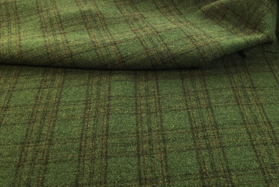 Galway Green, a mill dyed green wool for Rug Hooking and Appliqué, W581, Emerald Green, Irish Green