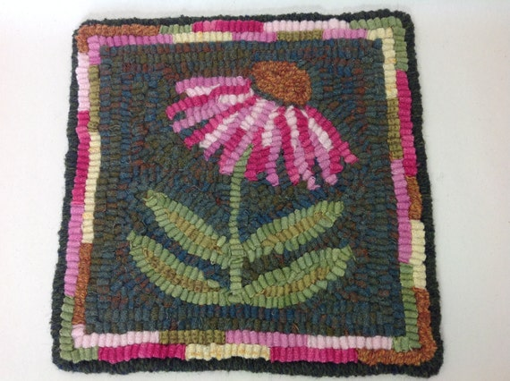 "Rug Hooking KIT, ""Coneflower Mat"", 8"" x 8"", J940, DIY Primitive Rug Hooking Mat, Folk Art Flower Tea Trivet"