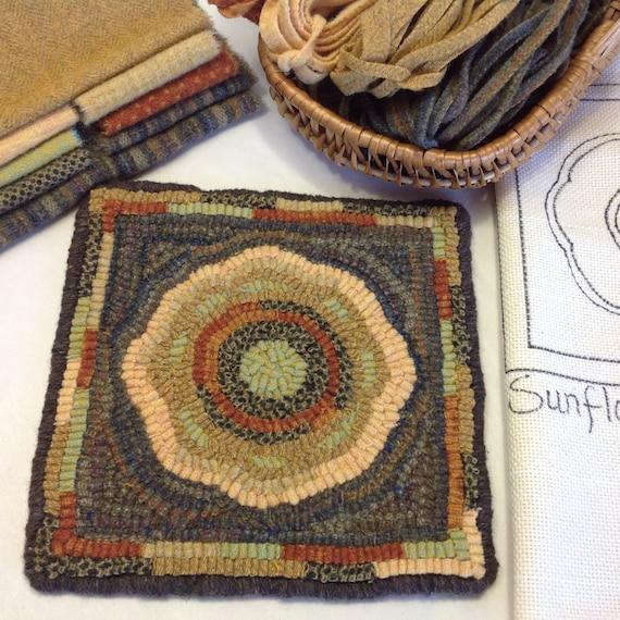 """Rug Hooking KIT, """"Sunflower Mat"""", 8"""" x 8"""", K105, Primitive Rug Hooking, DIY Hooked Rug Kit"""