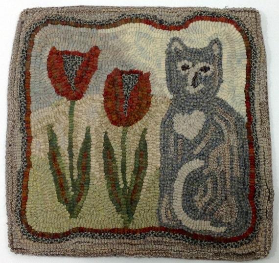 "Rug Hooking KIT, Tulip the Cat, 14"" x 14"", DIY Rug Hooking Kit, K103, Primitive Cat Design"