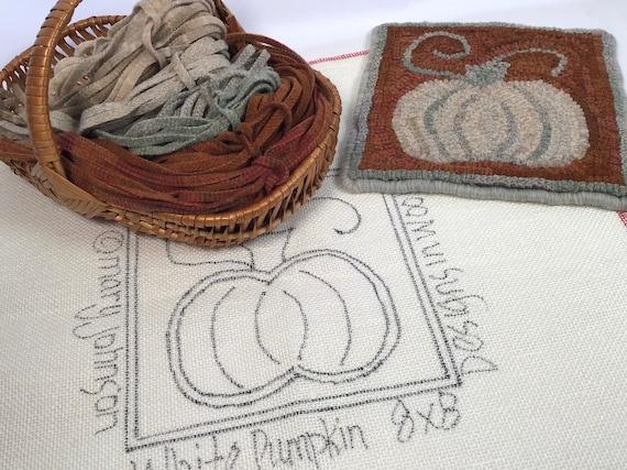 "Rug Hooking KIT, White Pumpkin Mat, 8"" x 8"", K125, DIY Primitive Rug Hooking Mat, Halloween Tea Trivet, Autumn DIY Mat"