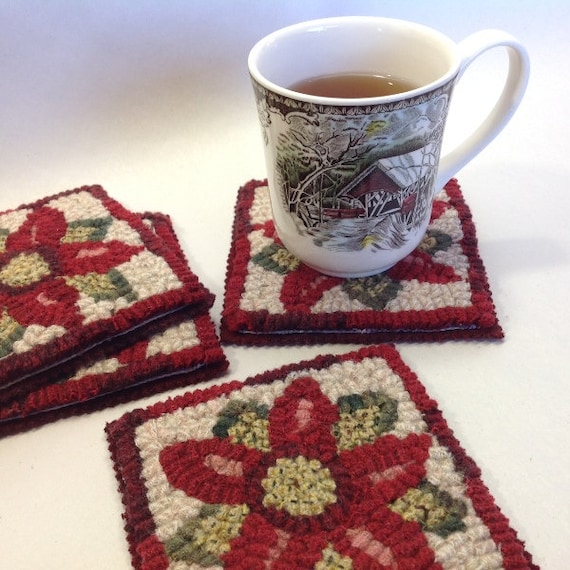Rug Hooking PATTERN, Poinsettia Mug Rugs, P117,  DIY Christmas project, Holidays, Coasters