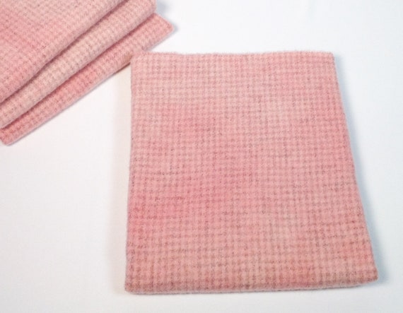 Fat 1/4 yard, Baby Pink Check, Hand Dyed Wool Fabric for Rug Hooking and Applique, W491, Light Pink Mottled, Soft Pink Check