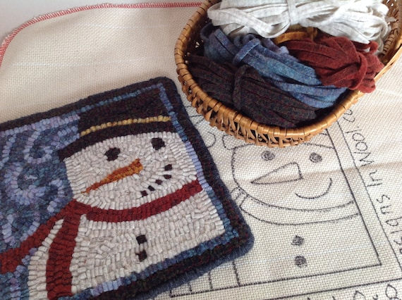 "Rug Hooking KIT, ""Snowman Mat"", 8"" x 8"", K109, DIY Primitive Rug Mat, Rug Holiday Trivet Mat, Winter Rug Hooking Project"