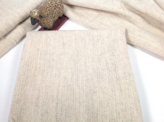 Fat 1/4 Yard, Tiny Texture White and Gray Wool Fabric, J602, Off White Wool Fabric, Rug Hooking Fabric, Applique Fabric