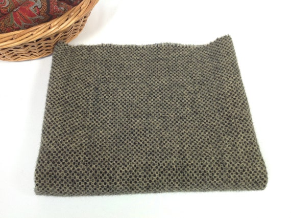 Fat 1/4 yard, Black and Natural Honeycomb, Mill Dyed Wool Fabric for Rug Hooking and Applique, J723