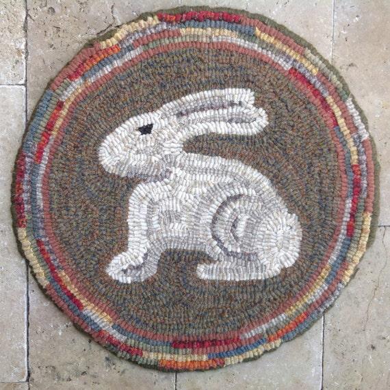 """Rug Hooking PATTERN, Woodland Bunny Chair Pad 14"""" Round, P165, Primitive Rug Hooking DIY, Wide Cut Rug Hooking"""