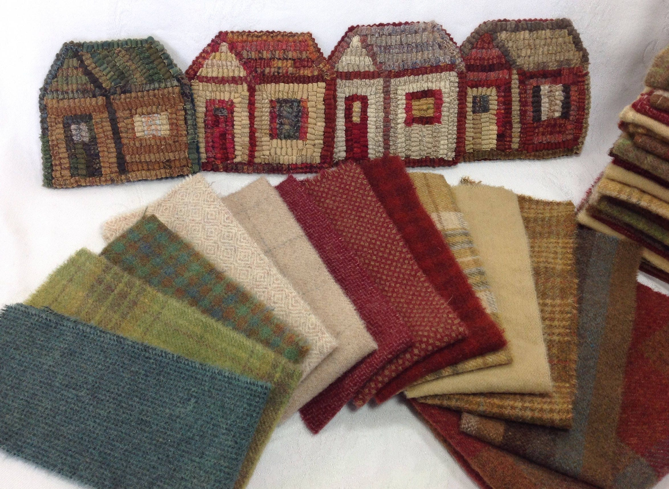 Wool Pack Or Pattern And Wool Pack For Little House Mug Rugs Wp210 Diy Rug Hooking Holiday Coasters Scrappy House Mug Rugs