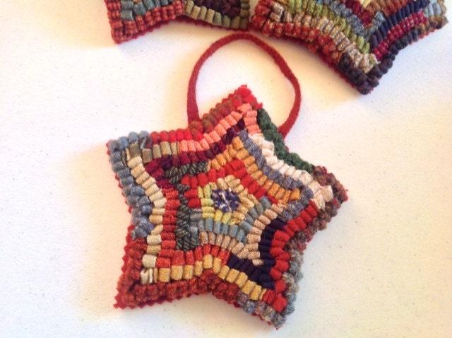 Primitive Star Rug Hooked Ornament J711 Tree Ornament Door