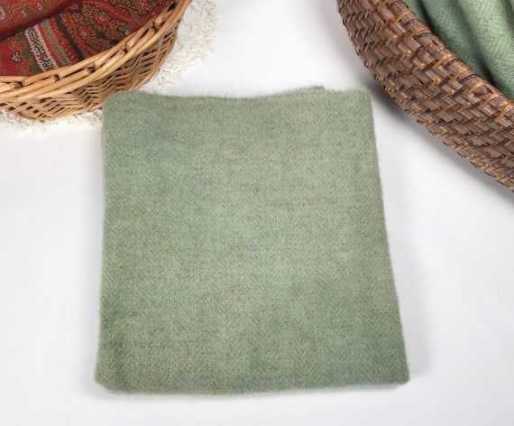 1) fat 1/4 yard,Spring Green, Hand Dyed Wool Fabric for rug hooking and applique, W570, Mint Green, Soft Green