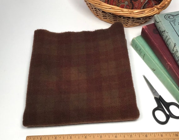 Fat 1/4 yard, Russet Brown, Hand Dyed 100% wool fabric for Rug Hooking & Applique, W501, Warm Dark Brown