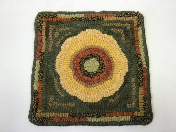 "Rug Hooking PATTERN, Sunflower Mat, 8"" x 8"", P113, DIY Primitive Rug Design, Wide Cut Rug Hooking"
