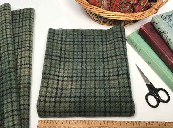 Primitive Green, 1/4 yard, Hand Dyed Wool Fabric for rug hooking and applique, W625, Green Plaid Wool