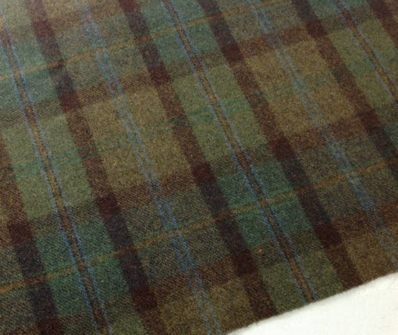 Fat 1/4 Yard, Hunter Green Plaid, Mill Dyed Wool Fabric for Rug Hooking and Applique, W408, Green and Brown Plaid Wool, Forest Green Plaid