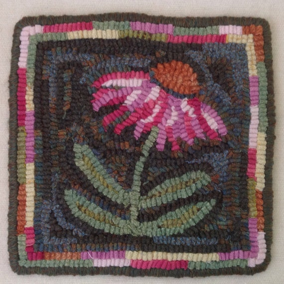 "Rug Hooking PATTERN, Coneflower Mat, 8"" x 8"", P159, DIY Rug Hooking Pattern, Primitive Rug Hooking, Wide cut rug hooking"