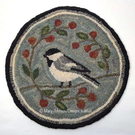 "Rug Hooking PATTERN, Black Capped Chickadee Chair Pad or Table Mat 14"" Round, P146, Folk Art Bird, DIY rug hooking, Chickadee"