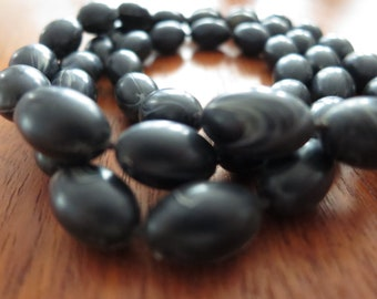 Vintage Black and White Marbled Necklace